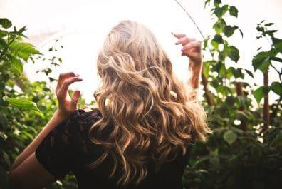 řídnutí vlasů